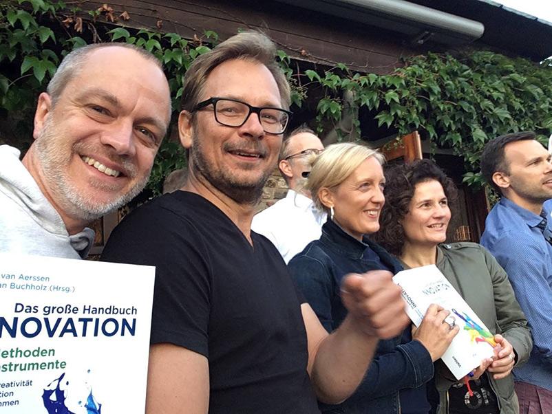 Das große Handbuch Innovation: Gruppenbild mit Lektor