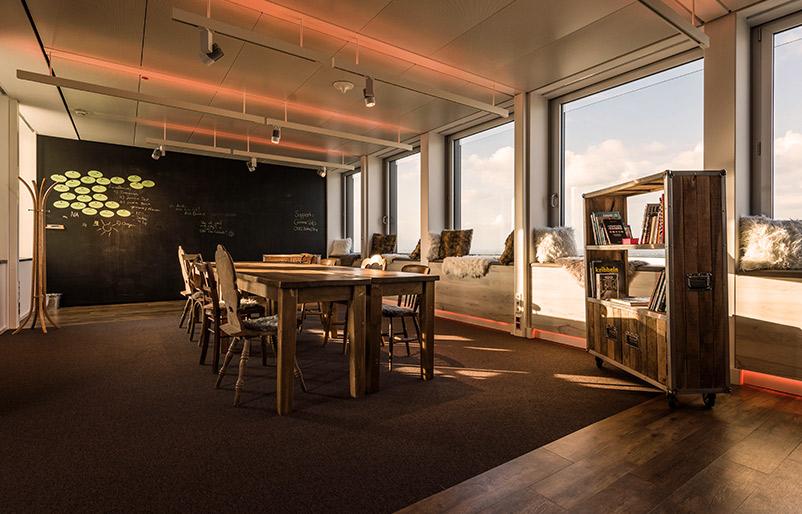 Kreativraum neue Arbeitswelt New Work Creative Space vorher-nachher Ideenkultur Innovation Space TÜV nachher