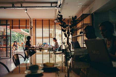 flexibles Arbeiten creative Office Activity based working Ideenkultur Unternehmenskultur Trends 2020
