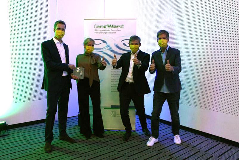 InnoWard ARAG Versicherung Bildungspreis Versicherungswirtschaft André Henrichs Thomas Schmidt Auszeichnung New Work Ideenkultur Team