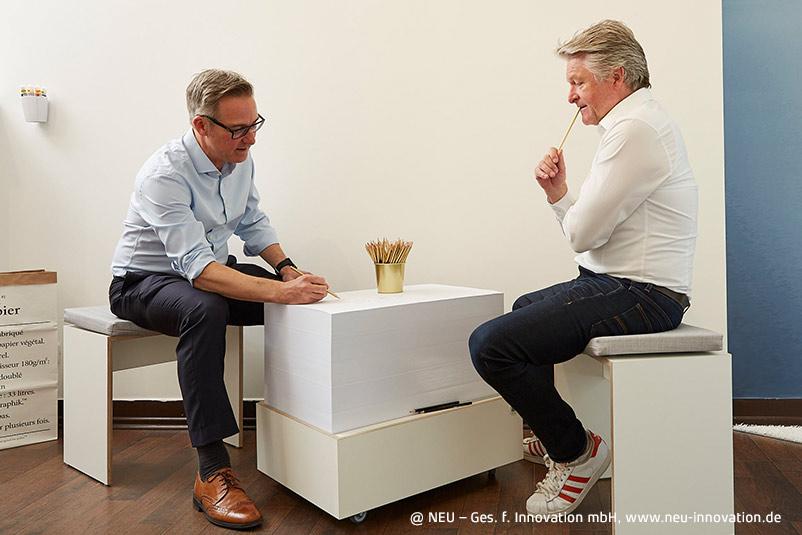 NEU New Work Möbel moderne Arbeitswelt Büro Ideenkultur Papiertisch Werkzeug Innovationskultur Innovation Spaces Ideenwerkzeug Kreativität