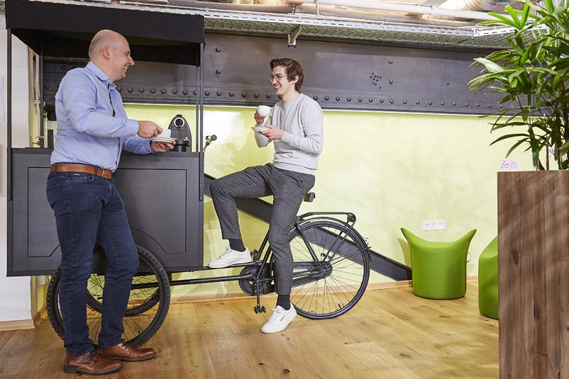 Zentis Beispiel Innovation-Space agiler Arbeitsraum Creative -Space Raum für Veränderung Fruchtcampus Moderne Arbeitswelt New Work Kaffee-Ecke