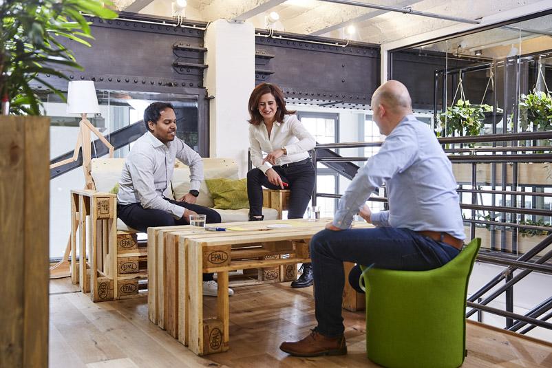 Zentis Beispiel Innovation-Space agiler Arbeitsraum Creative -Space Raum für Veränderung Fruchtcampus Moderne Arbeitswelt New Work AdHoc-Meeting