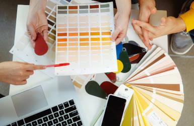 Farbe im Büro Farbwahrnehmung Farbwirkung Wohlfühlen am Arbeitsplatz Farbpsychologie New Work Bürowelt Ideenkultur Innovationskultur Unternehmenskultur